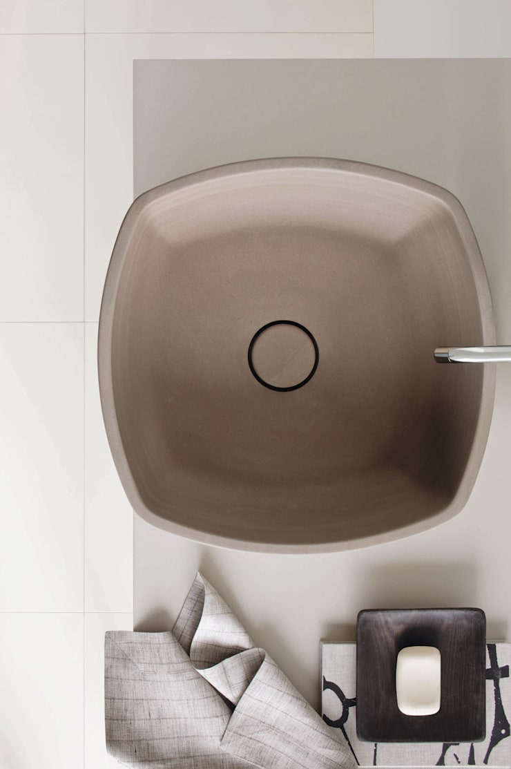 Collezione 2012: Bagno in stile  di NEUTRA DESIGN,