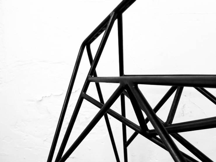 Arachnide: Bureau de style  par Benjamin Crilout Designer