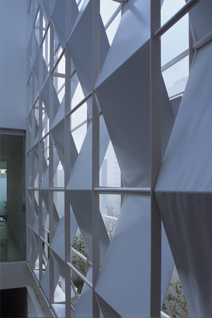 ML HOUSE: Casas de estilo  por NAME Arquitectos