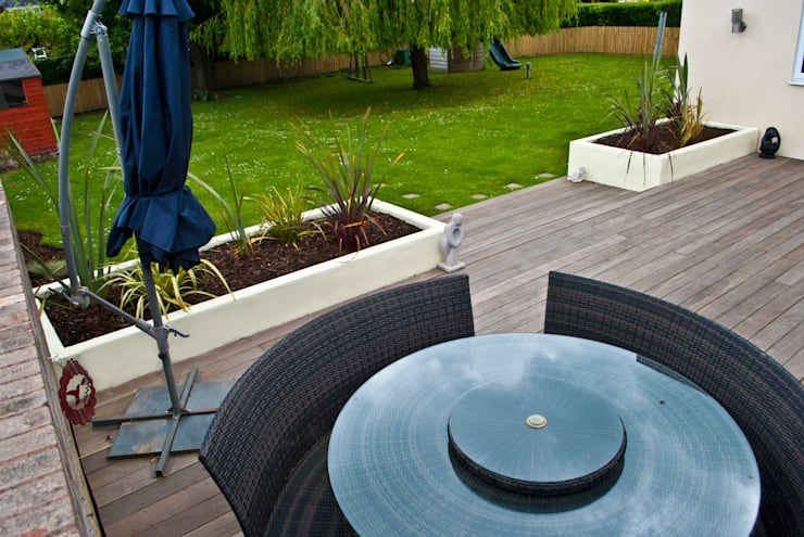 Yellow Balau Hardwood Deck, Chester:  Garden by Native Landscape Design