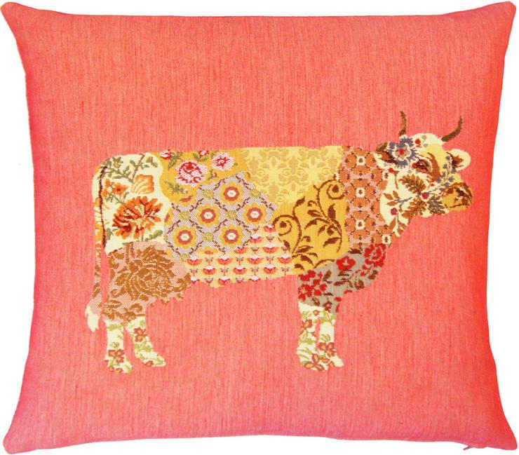 Patchwork Cows: Salon de style  par FS Home Collections