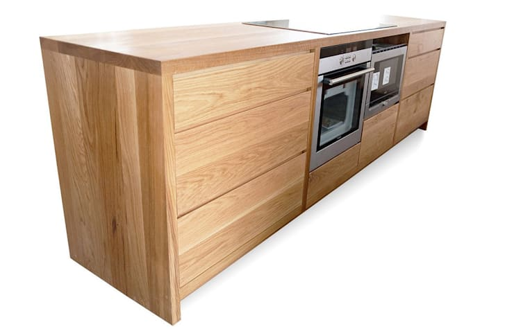 Integrated Modern Kitchen Appliances:  Kitchen units by NAKED Kitchens