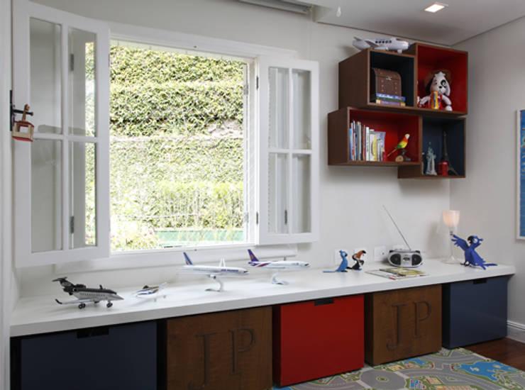 Habitaciones infantiles de estilo  de Lore Arquitetura