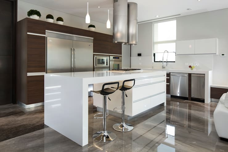 Cucina in stile in stile Moderno di URBN