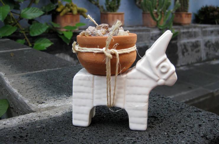 Burro especiero 2: Comedor de estilo  por TACAMACA