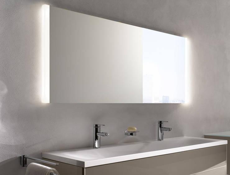 KEUCO MIRROR CABINETS - ROYAL MATCH : Baños de estilo  por Centro de Diseño Alemán