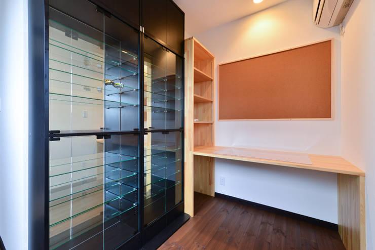 趣味室: スクエア建築スタジオが手掛けた和室です。