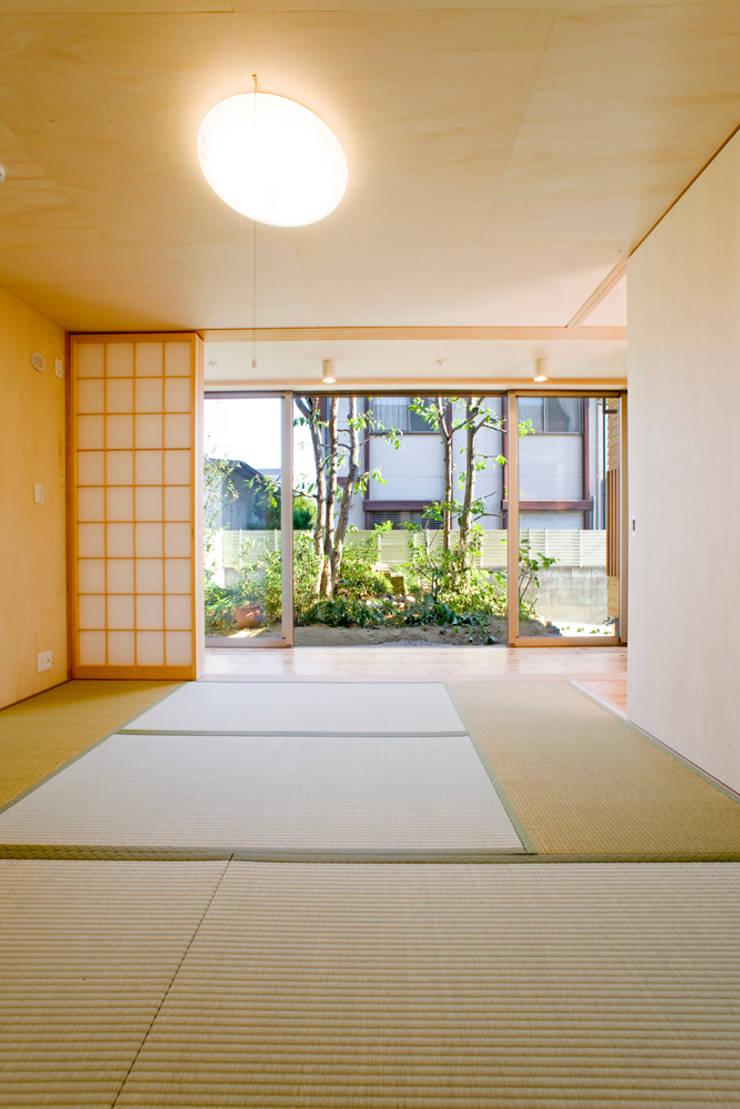 和室: 松下建築設計 一級建築士事務所/Matsushita Architectsが手掛けた和室です。