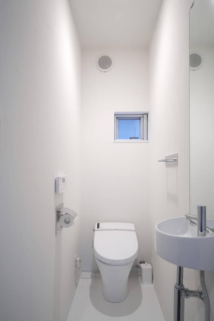 Bathroom by C lab.タカセモトヒデ建築設計,