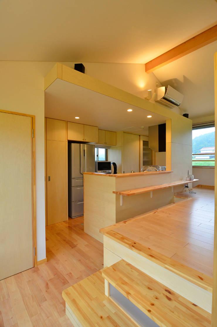 世羅の家: 宮崎環境建築設計が手掛けたキッチンです。,