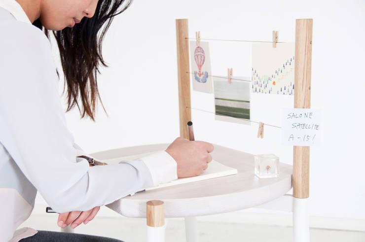 TRANS FUR: Kairi Eguchi Designが手掛けたリビングルームです。