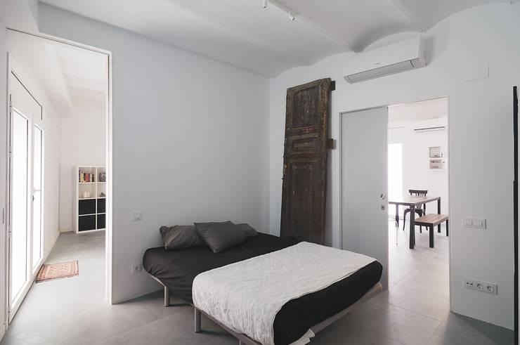 Dormitorio principal: Dormitorios de estilo  de AFarquitectura