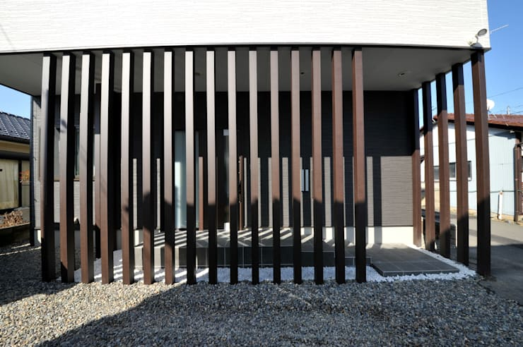 Rumah oleh スクエア建築スタジオ, Modern