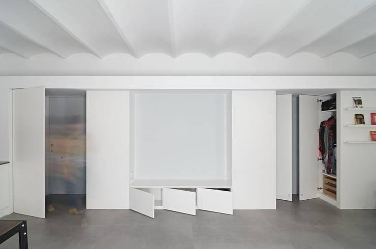 Mueble de salón: Salones de estilo  de AFarquitectura