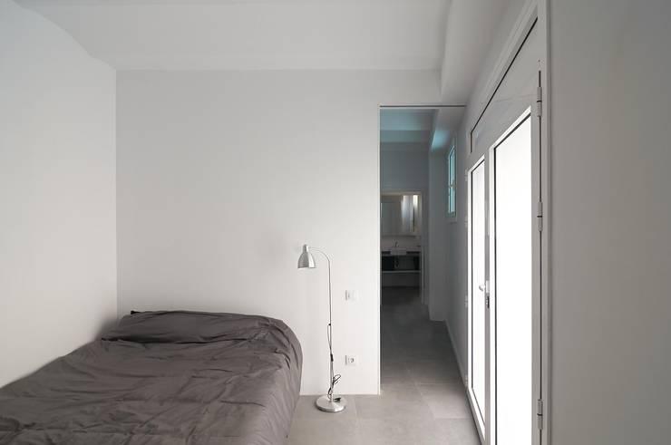 Dormitorio invitados: Dormitorios de estilo  de AFarquitectura