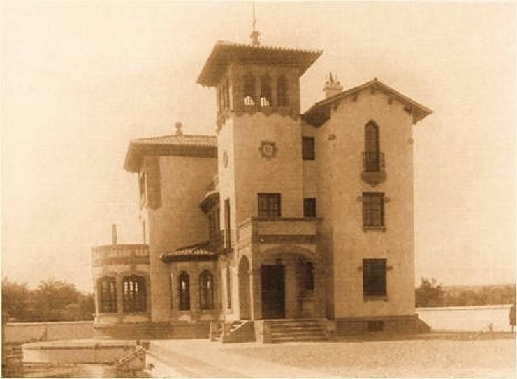 """""""Casa Sánchez"""", hacia 1940: Hoteles de estilo  de ARQUIGESTIÓN ARAGÓN S.L.P."""