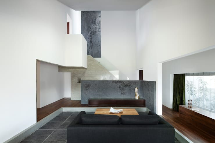 House of Representation: Form / Koichi Kimura Architectsが手掛けたリビングです。