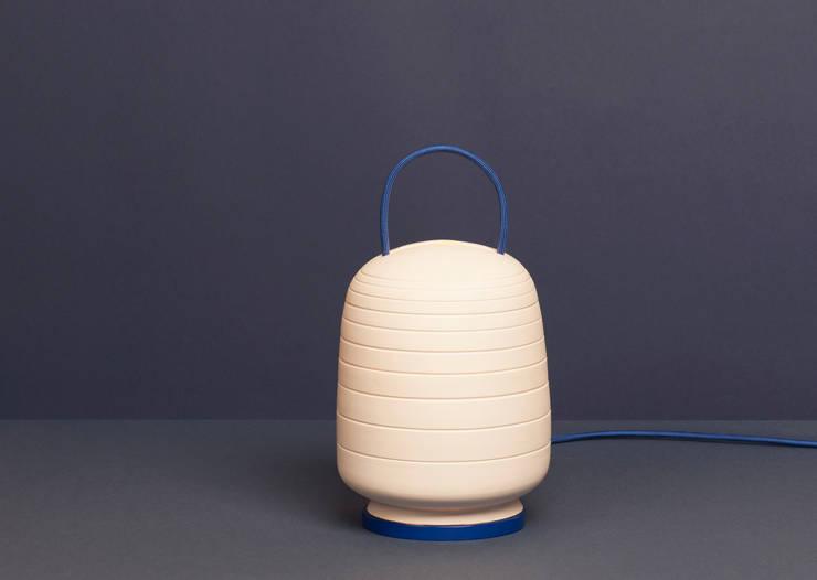 Lampe Yoko: Maison de style  par Elise Fauveau