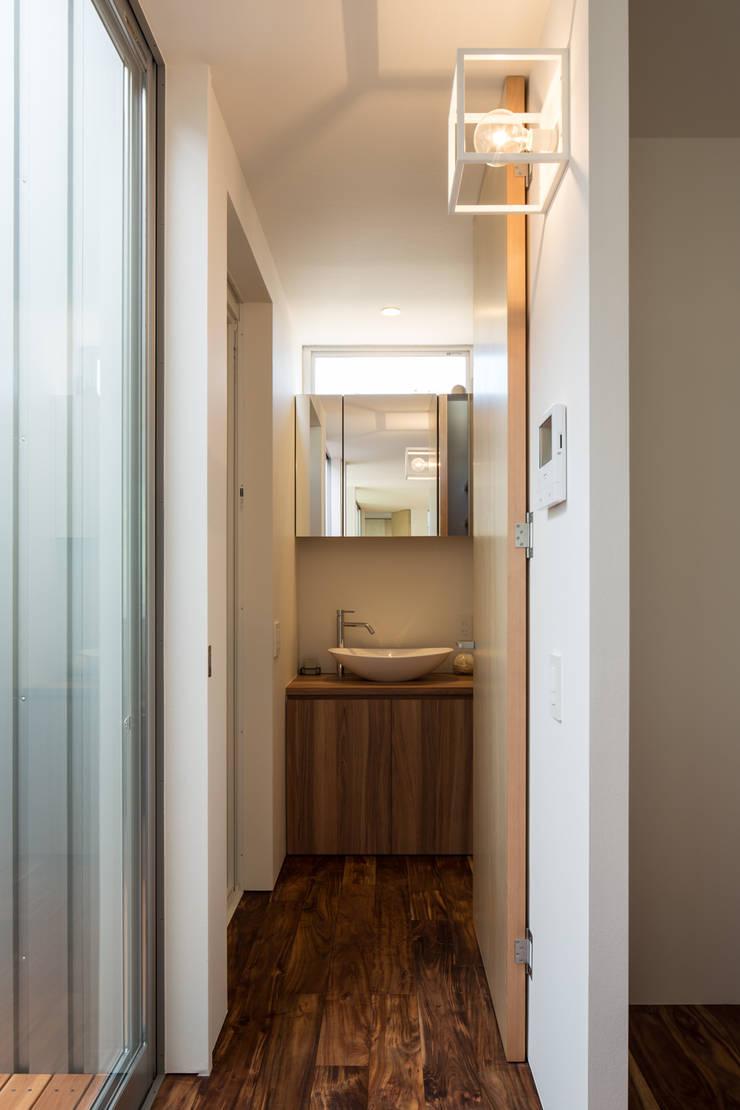 鳳の家 House in Otori: arbolが手掛けた浴室です。