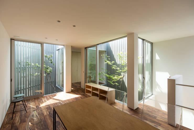 鳳の家 House in Otori: arbolが手掛けたダイニングです。