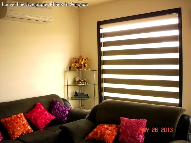 asian Living room تنفيذ Louverline Blinds