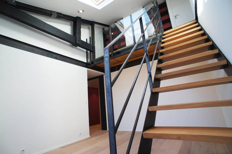Maison contemporaine:  de style  par Agence Mur-Mur