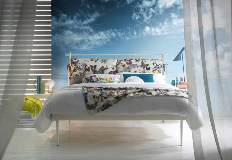 LETTO JULIET: Camera da letto in stile in stile Eclettico di Ciacci