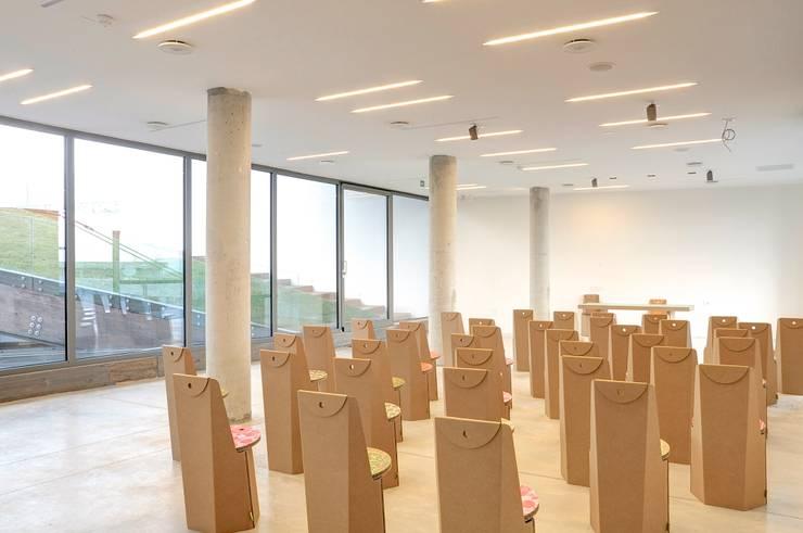 ECOAREA: Case in stile  di triarch studio