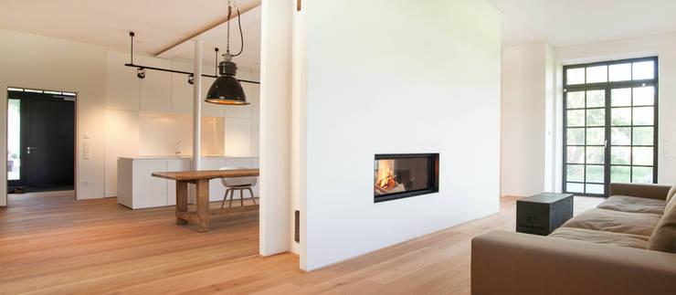 Salon de style de style Industriel par Planungsbüro Schilling