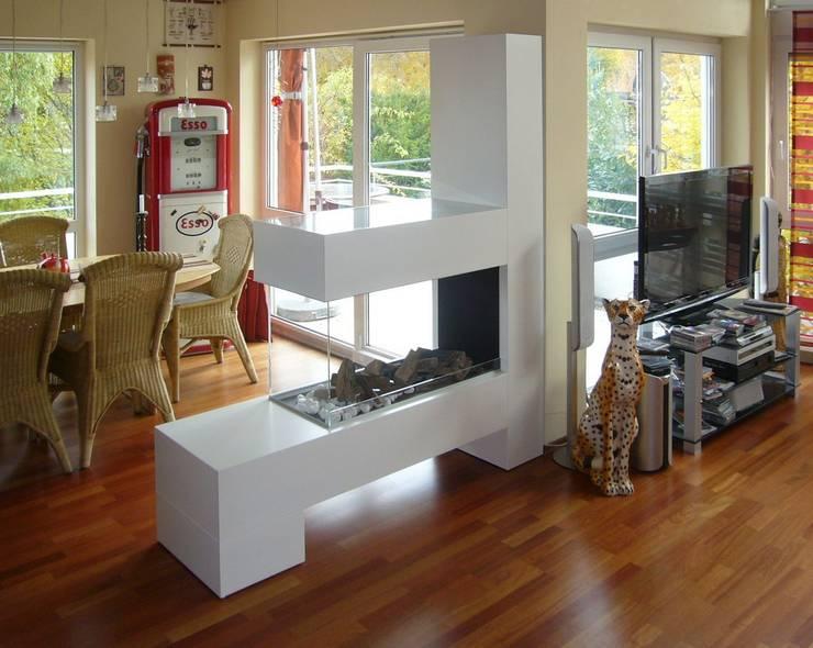 Aspect SPlan-21 K50 BE:  Wohnzimmer von Kamin-Design GmbH & Co KG