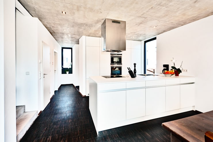 Projekty,  Kuchnia zaprojektowane przez Helwig Haus und Raum Planungs GmbH