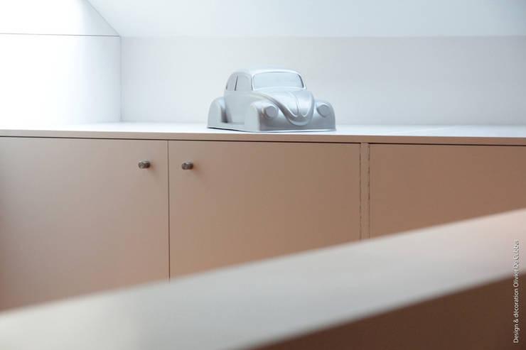 modern Bedroom by Olivier De Cubber - Architecture d'intérieur, design & décoration