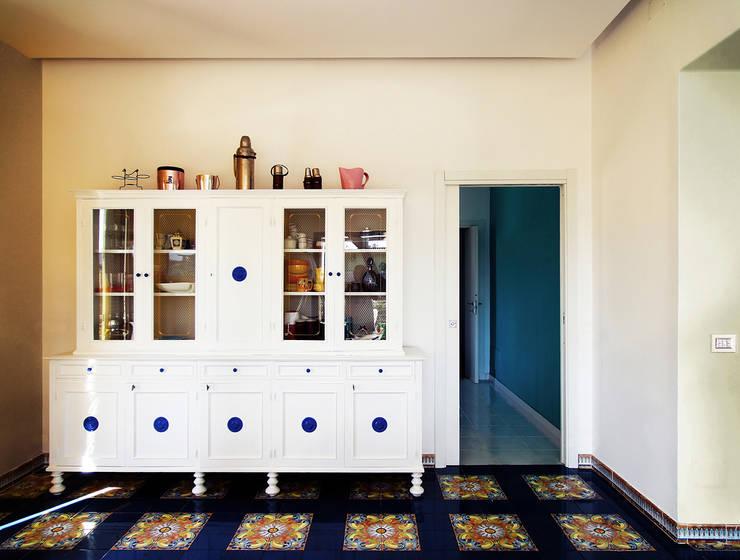 villa D: Case in stile  di Giancarlo Covino