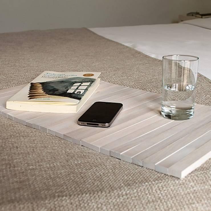 Bandeja flexible de madera - DETRAY WHITE: Dormitorios de estilo moderno de debosc