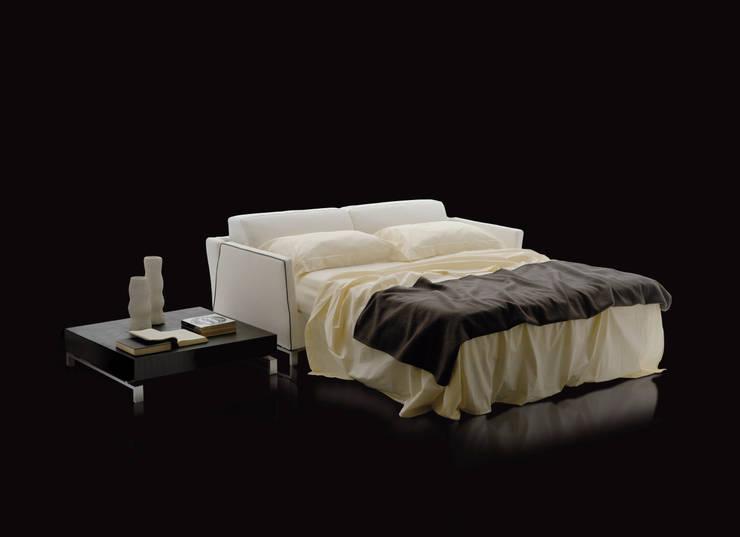 BENNY: Soggiorno in stile  di Milano Bedding