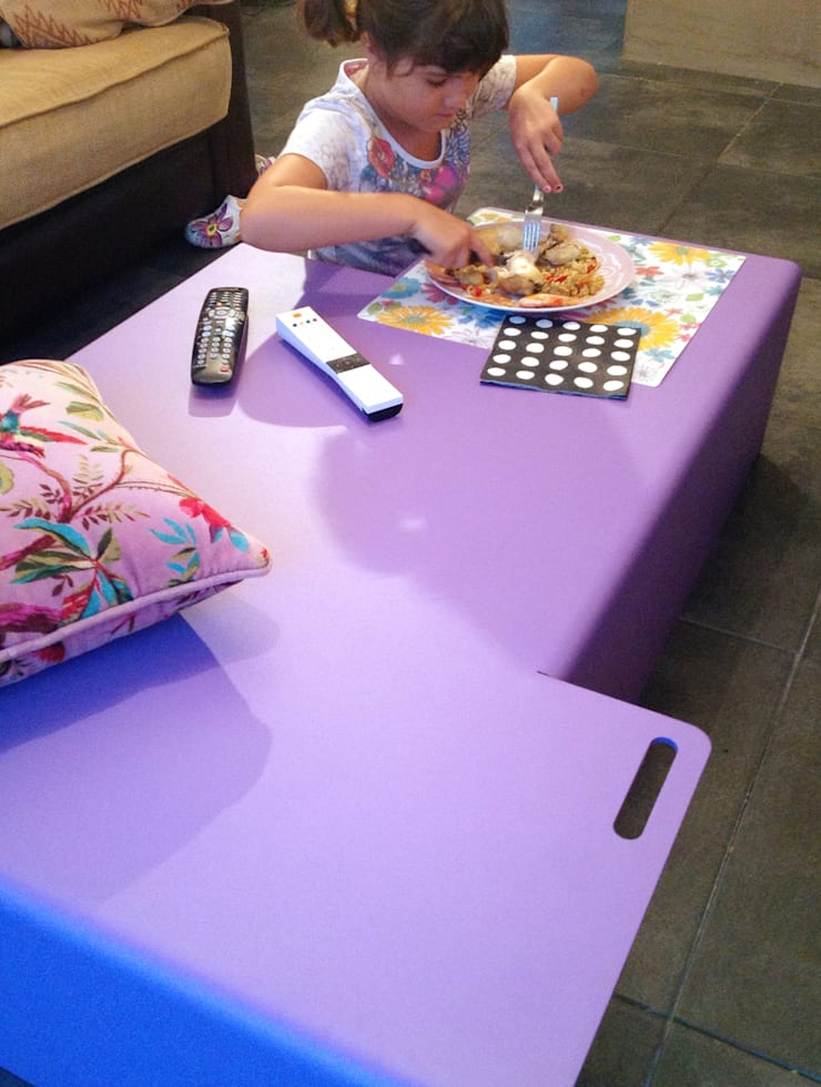 Table Basse AXX: Salon de style  par Cameleon design