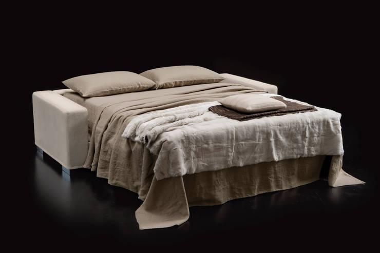 DUKE: Soggiorno in stile  di Milano Bedding