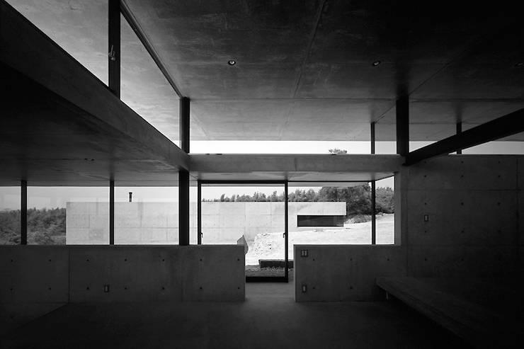 Rumah oleh 藤本寿徳建築設計事務所, Modern