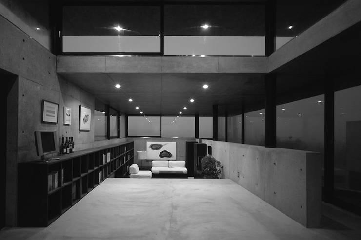 غرفة الميديا تنفيذ 藤本寿徳建築設計事務所, حداثي