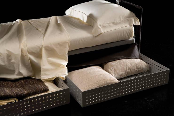 GEORGE: Soggiorno in stile  di Milano Bedding