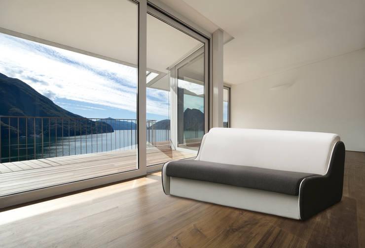 LIGHT COLLECTION: Soggiorno in stile  di Milano Bedding