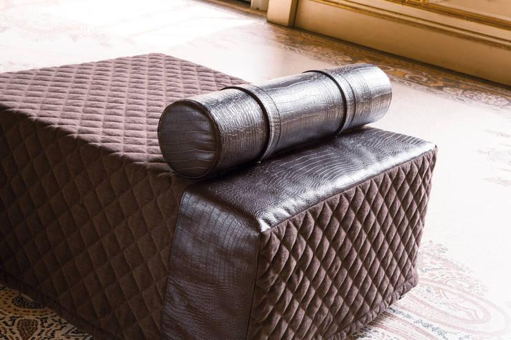 OSCAR: Soggiorno in stile  di Milano Bedding
