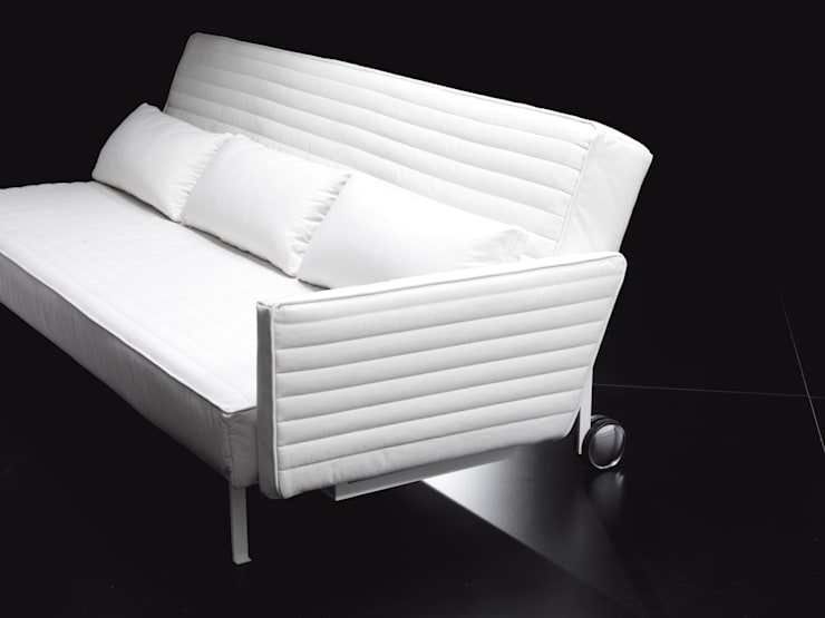 SONNY: Soggiorno in stile  di Milano Bedding,
