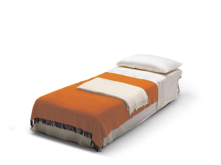 WINNIE: Soggiorno in stile  di Milano Bedding