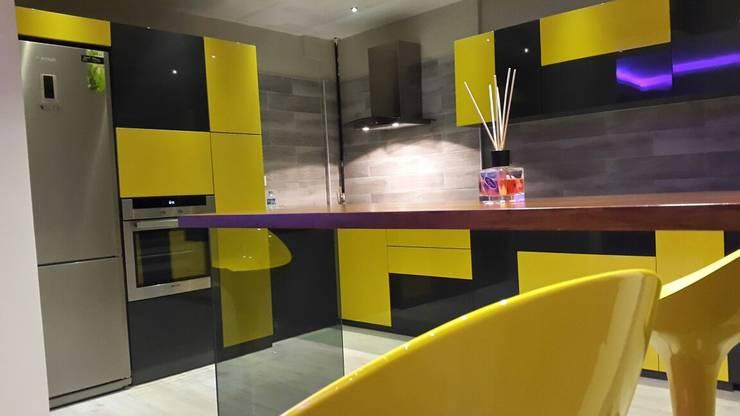 ROAS Mimarlık – Bar Derayı: tarz Mutfak
