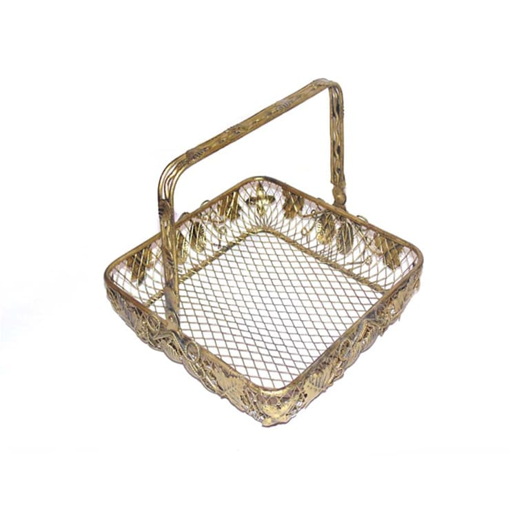 Leaf Design Wire Fruit Basket:  Kitchen by M4design