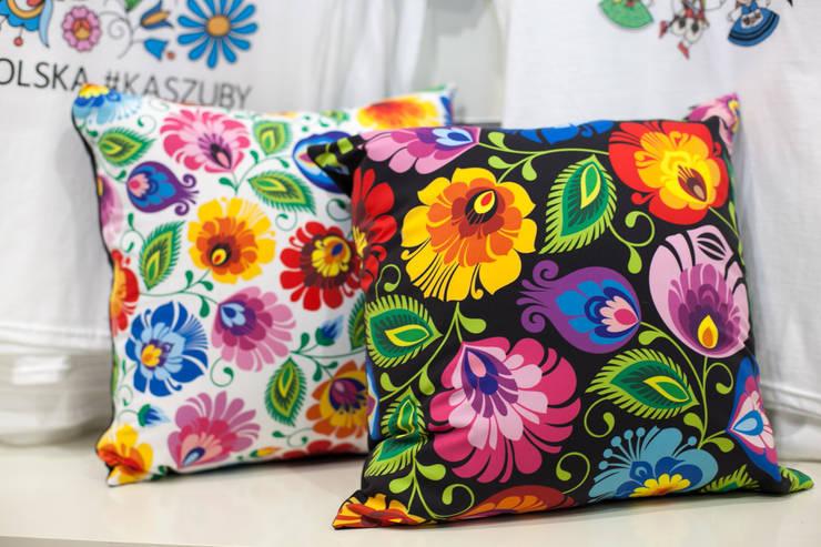 Poduszki łowickie: styl , w kategorii  zaprojektowany przez Folkstar,Wiejski
