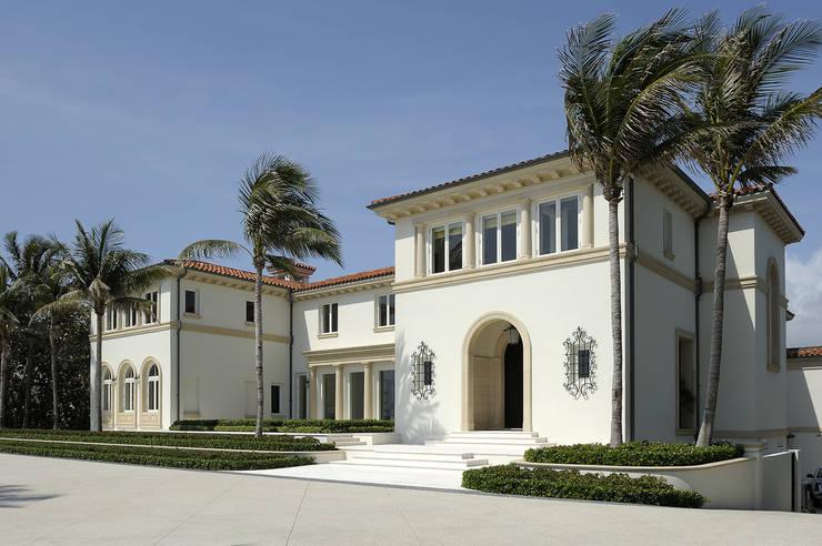 Residenza privata - Palm Beach, Florida: Bagno in stile  di Ti Effe Esse Interiors, Moderno