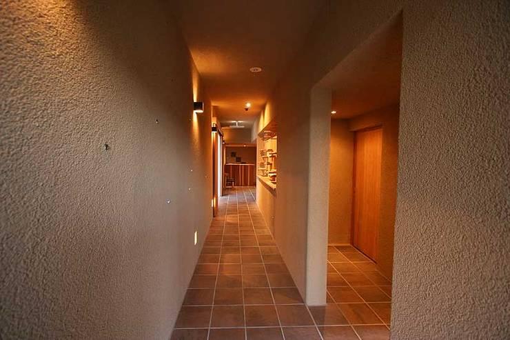 approach: カーポス工作所一級建築士事務所が手掛けたレストランです。,