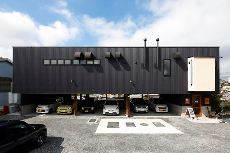 facade: カーポス工作所一級建築士事務所が手掛けたレストランです。